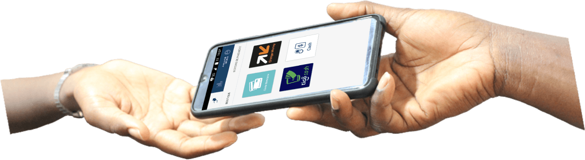 Une main passant le téléphone avec services Touch Mobile à une autre